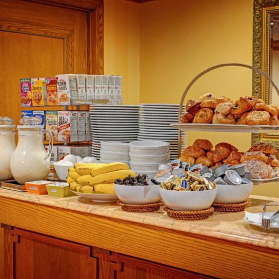 Hotel Elysee Breakfast